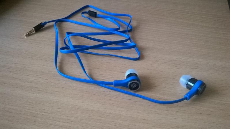 Ismeretlen kínai, agybedugós fülhallgató 500 forintért?