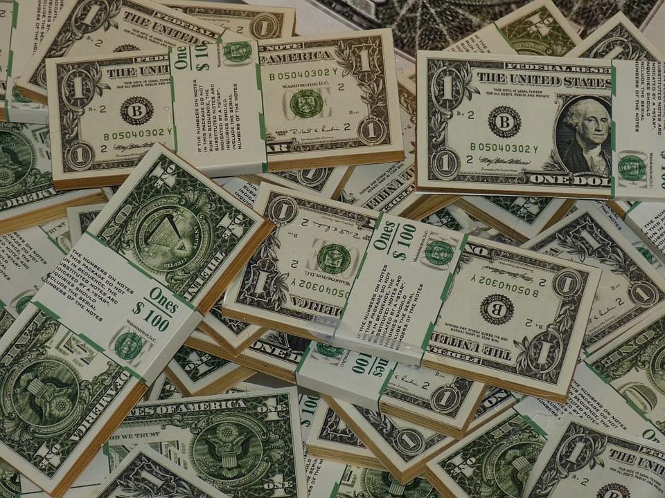 Egyszerű pénzkeresés - De ki is nyer a végén?