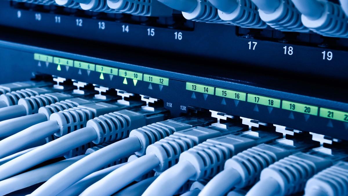 Gigabites csomag a Telekomnál is, folytatódnak a szolgáltatók infrastruktúráinak fejlesztései