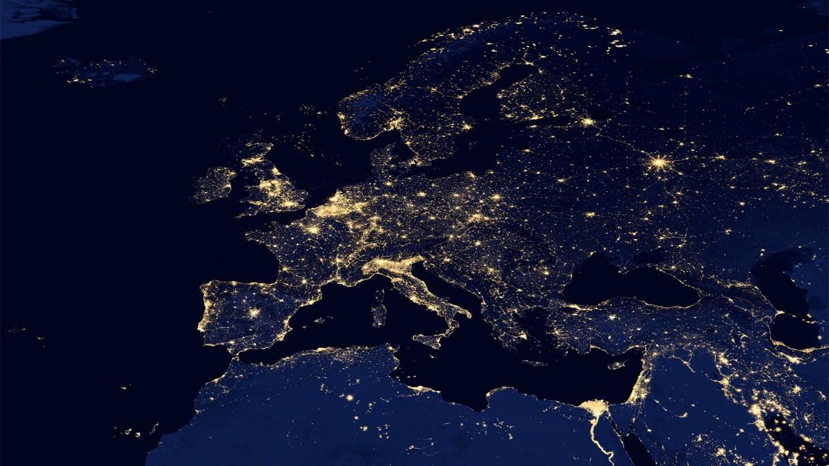 Megvan mikortól nem lesz roaming díj Európában