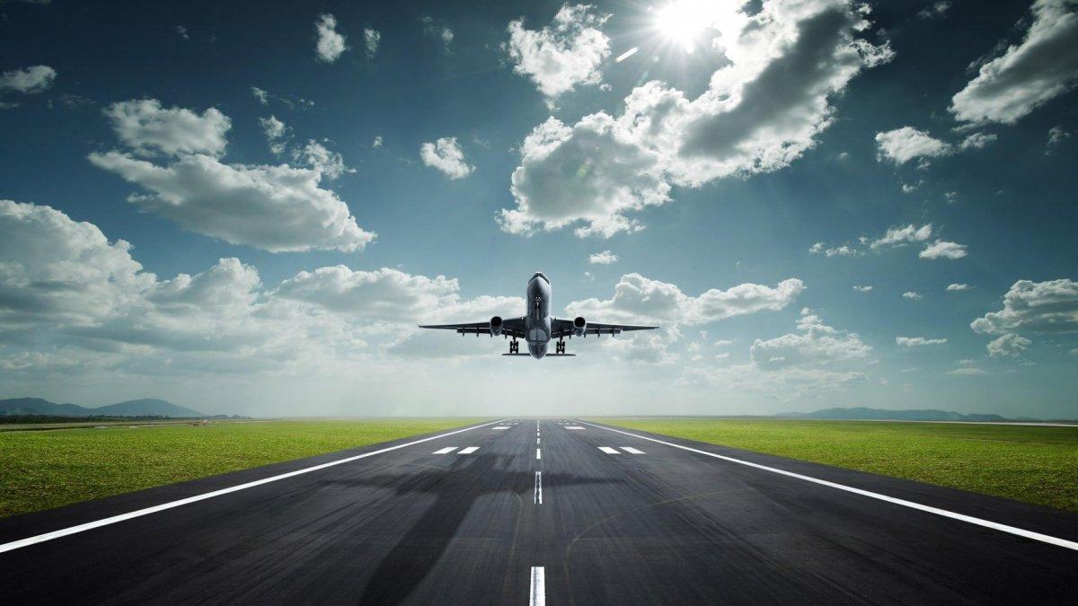 Az Egyesült királyság is kitiltja egyes repülőjáratokról a Notebook-okat