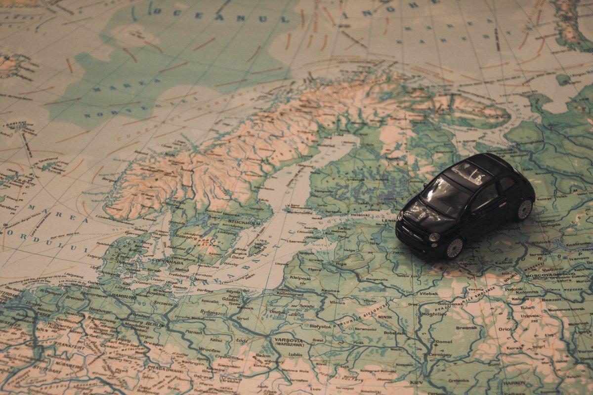 Júniustól nincs többé roaming díj az Eu-n belüli nyaraláskor