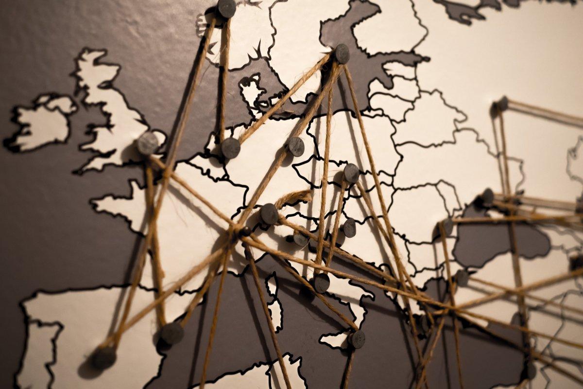 700 MHz-es sávon jön az 5G Európába