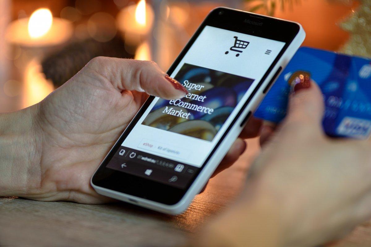 Továbbra is kétszámjegyű növekedés várható az e-kereskedelemben