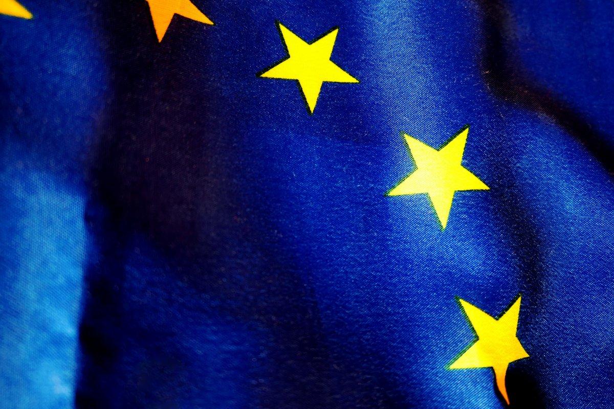 NMHH: június közepétől az EU-n belül megszűnik a roamingfelár