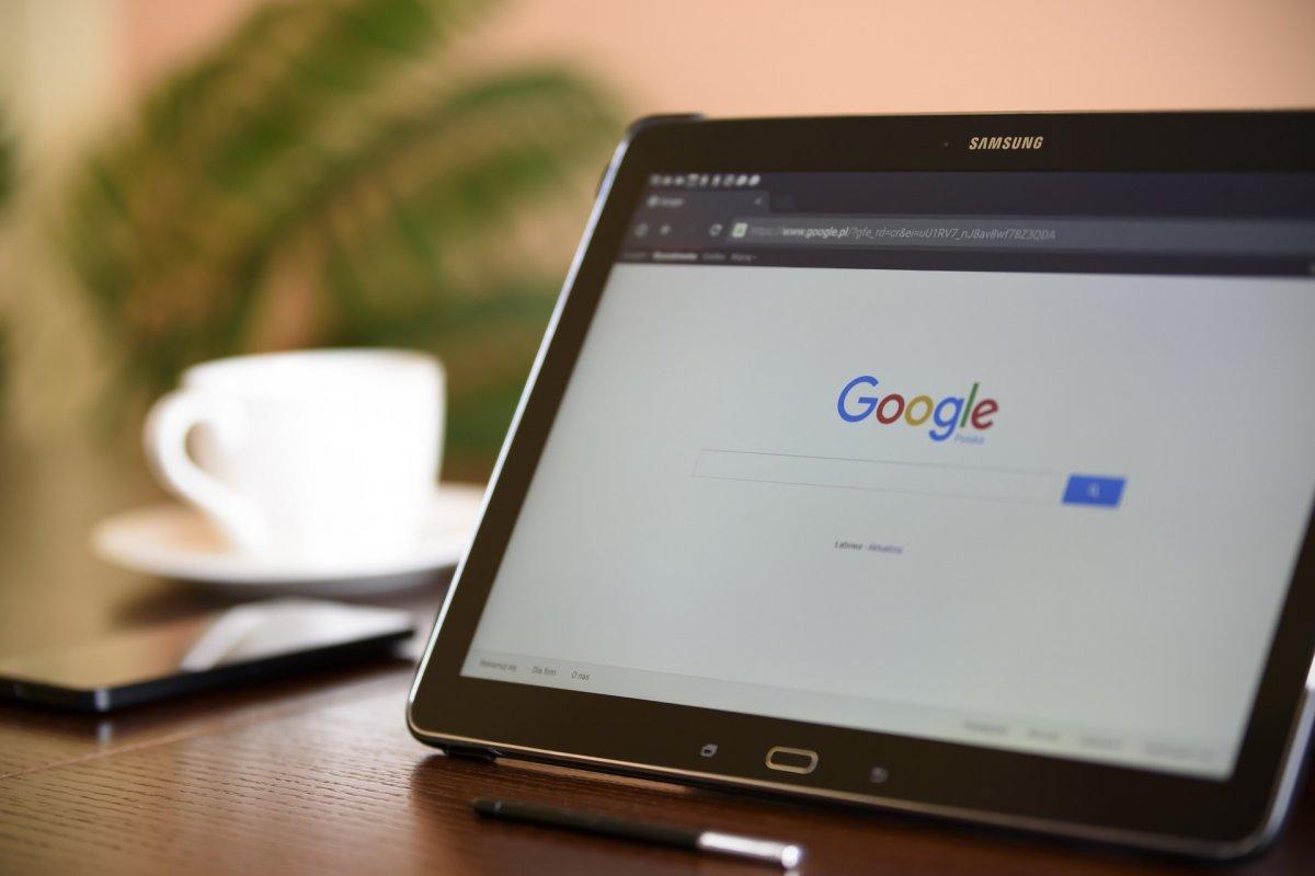 A Facebook után a Google is felveszi a harcot a szélsőséges vagy a terrorizmushoz köthető bejegyzésekkel szemben