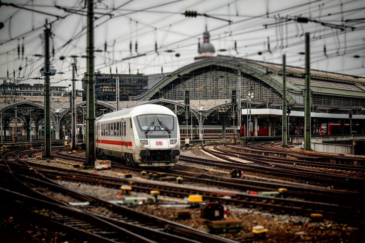 Egyre népszerűbbek az elektronikus vonatjegyek