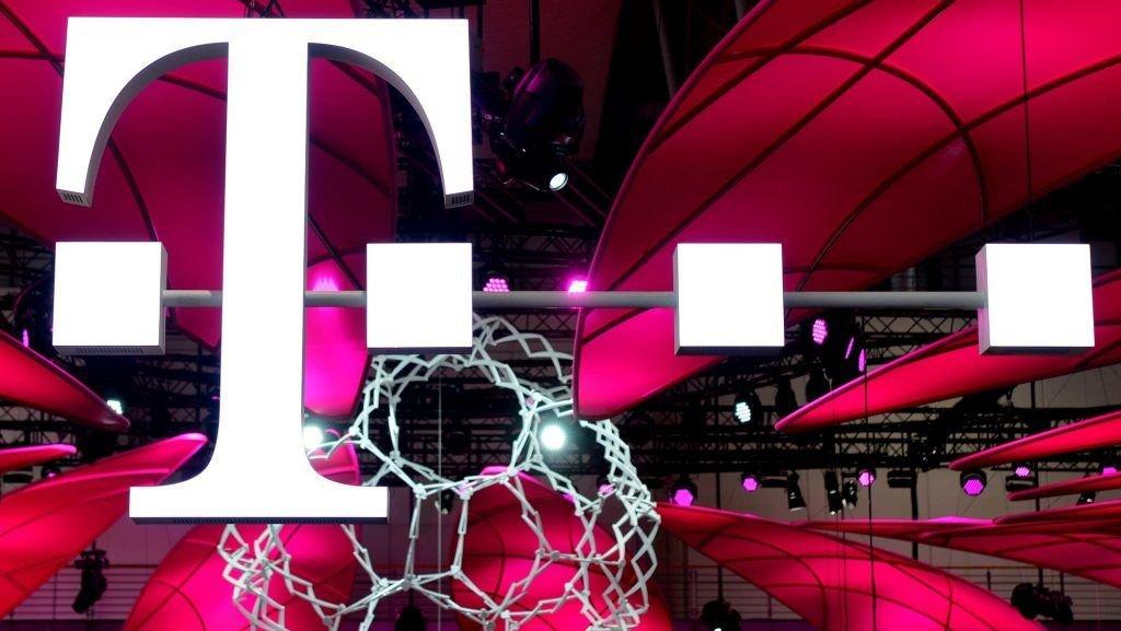 Szinte mindent ad a Telekom az új előfizetésében