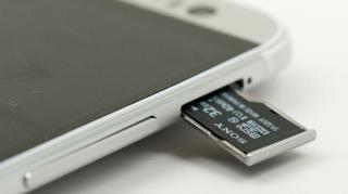 Áthelyezhetünk alkalmazásokat MicroSD kártyára Androidos készülékeken?