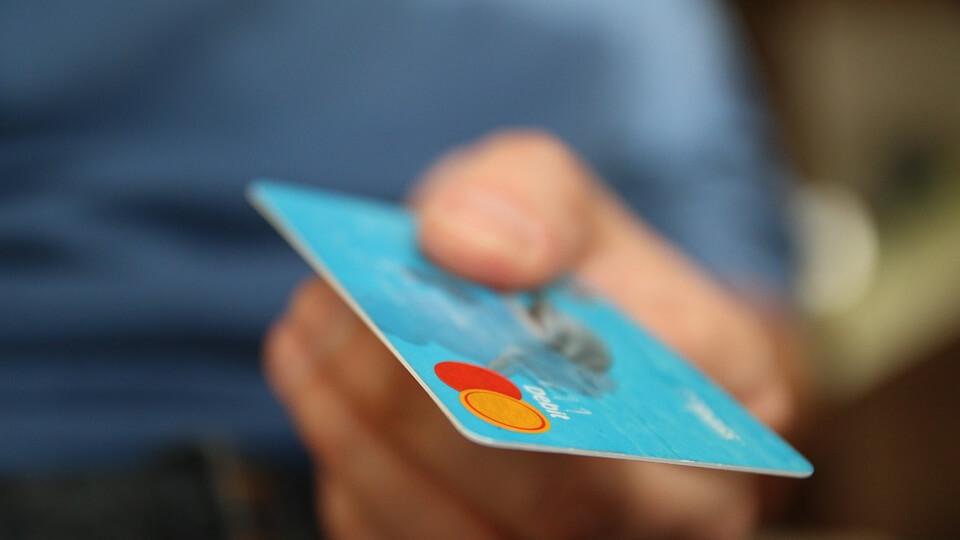 Terjed a készpénzmentes fizetés Magyarországon