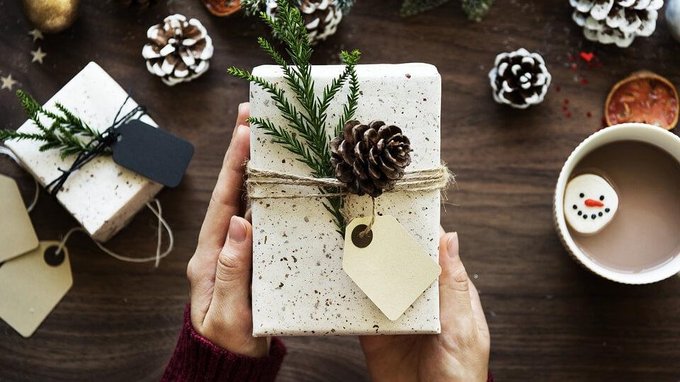 Az internetezők idén átlagosan 41 ezer forintot szánnak a karácsonyi ajándékokra
