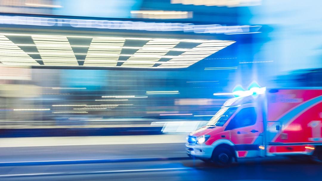 Hamarosan videóhívással is elérhetjük a mentőket