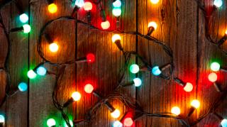 Modern karácsonyi díszfények a 21. század karácsonyfáira